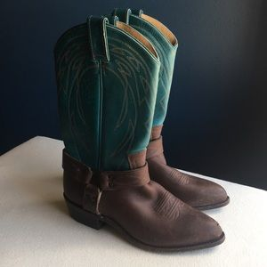 Frye women's Billy harness cowgirl boots sz 9